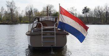 24 De Bruijs Vlet Cabin Sloep Polyester Diesel gebruikt als nieuw Korvet Jachtmakelaardij