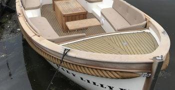 Vreelander 800 sloep antaris maril intender interboat gent seafury